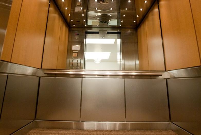 ammodernare l'ascensore e i vantaggi