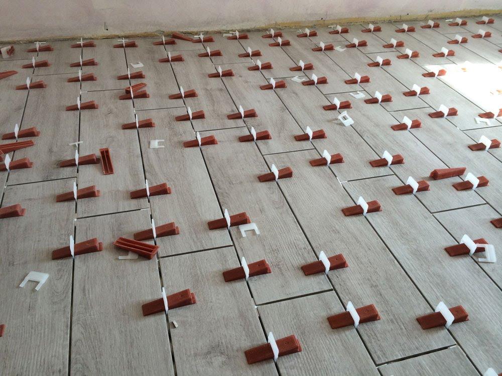 Quanto costa la posa di piastrelle con il metodo raimondi casa live - Posa piastrelle pavimento ...
