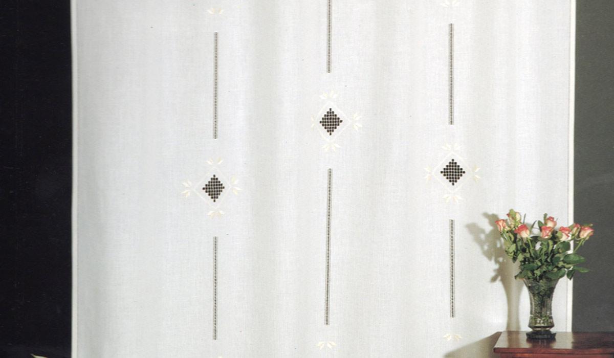 Tende ricamate: Uno stile intramontabile - Casa Live