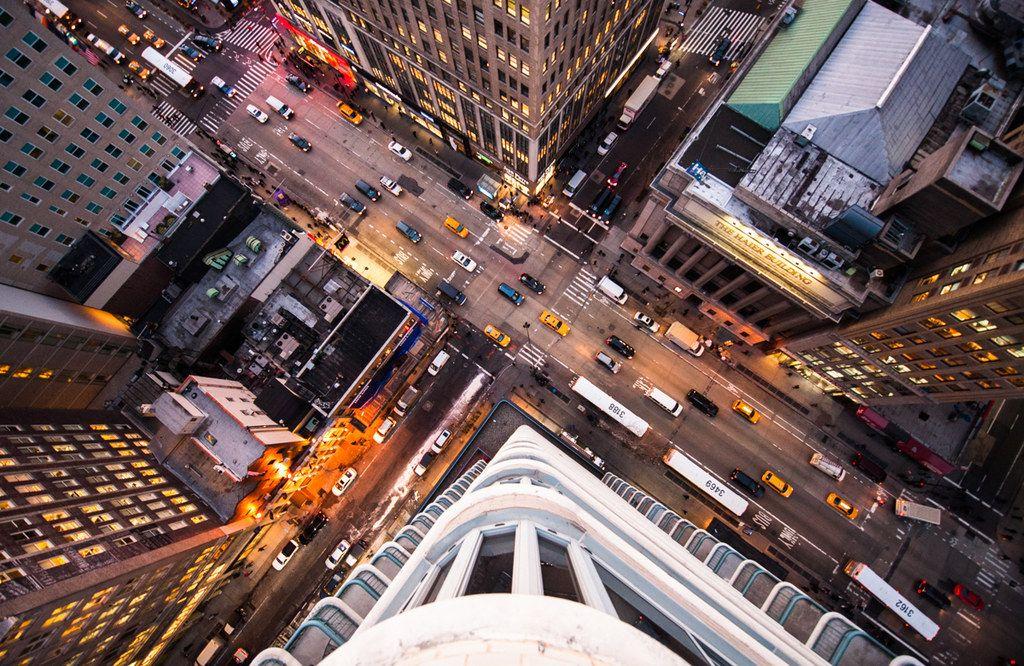 Navid Baraty dall'alto dei grattacieli di new york