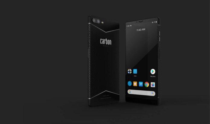 smartphone in fibra di carbonio